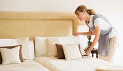 Плюсы и минусы различных способов поиска домработницы